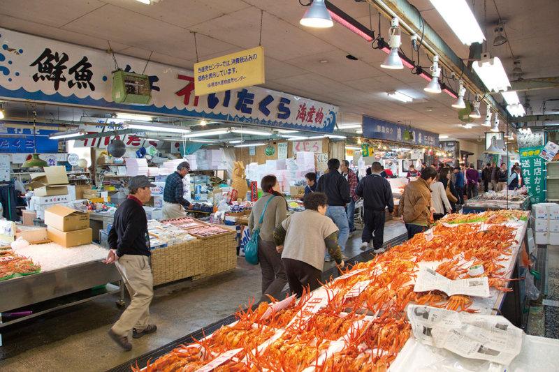 美味しい海の幸と妖怪の世界を楽しもう!! さかなと鬼太郎のまち・鳥取県境港市