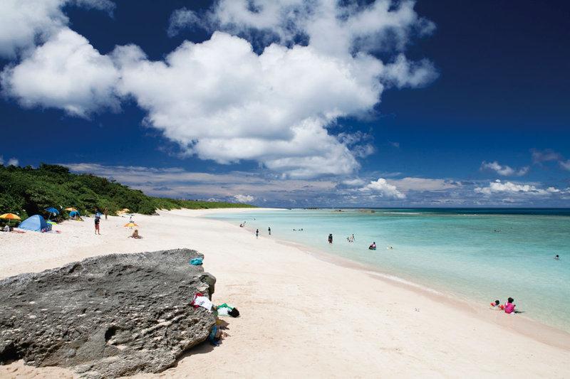 ハテルマブルーの海や南十字星観測を楽しもう! 日本最南端の島「波照間島」