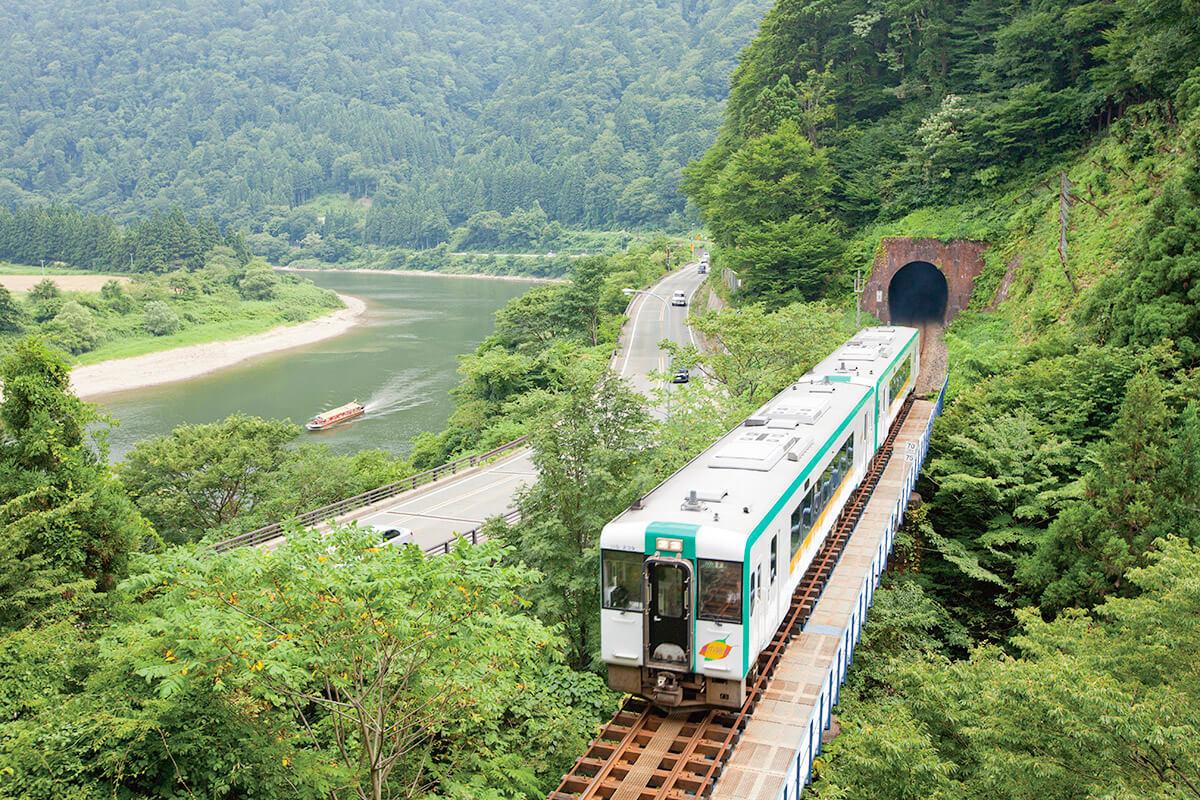 JR陸羽線 奥の細道最上川ライン