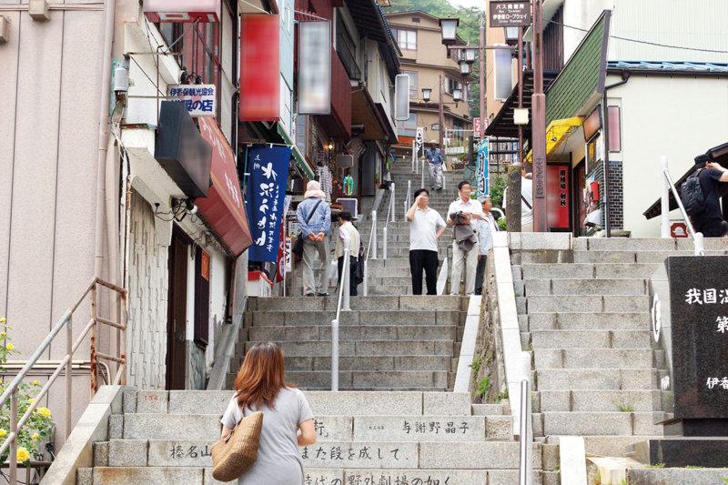 群馬県渋川市の歴史ある温泉「伊香保温泉」を満喫! おすすめの旅館や観光スポットもご紹介!