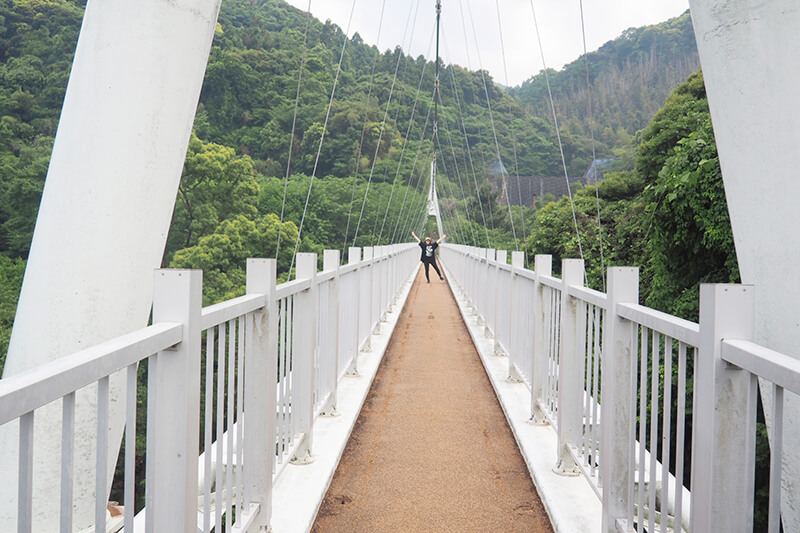 加茂ゆらりんこ橋で写真撮影 photo by マッキー