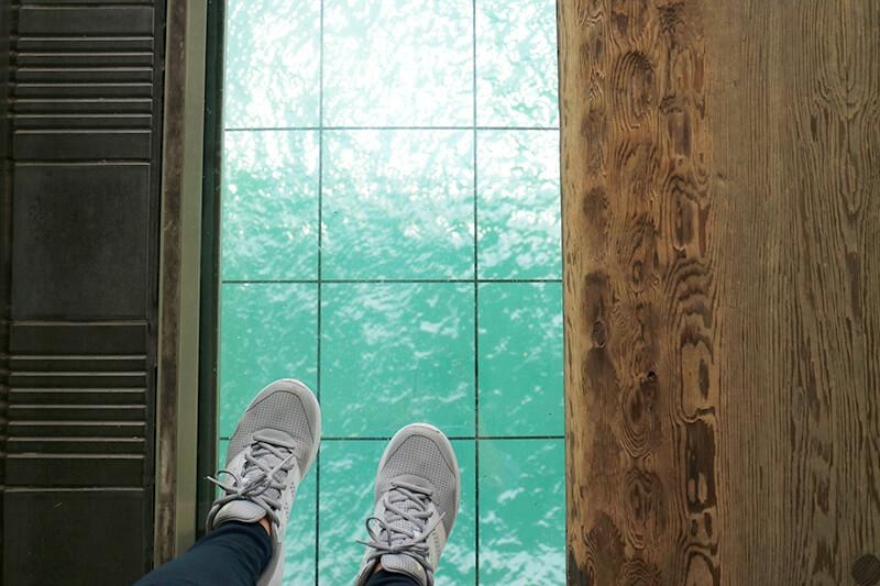 舞子海上プロムナード ガラスの床