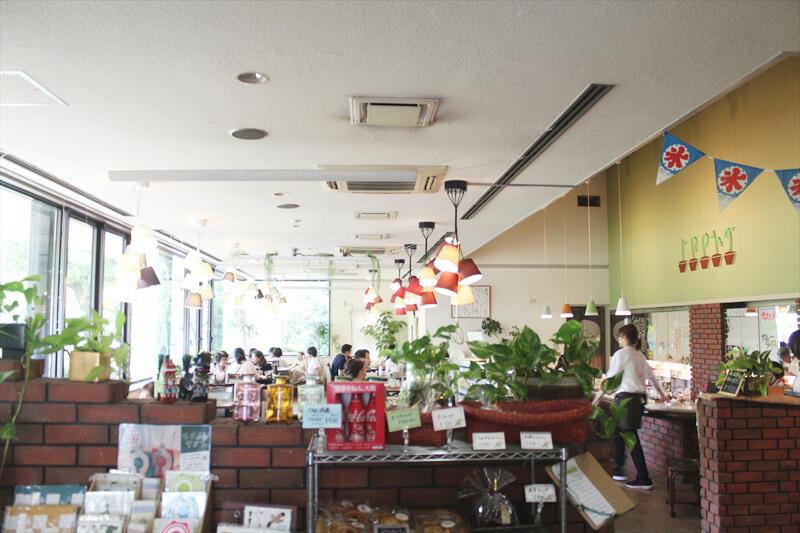 「カフェ イロハ(Cafe IROHA)」 店内