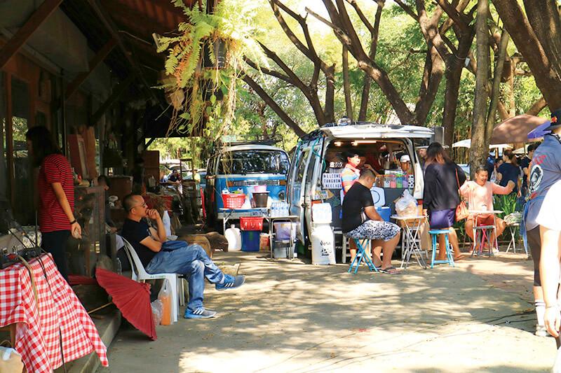 タイ・チェンマイの週末の朝はここで決まり! 食材から雑貨までそろう大市場「JJマーケット」をレポートします!