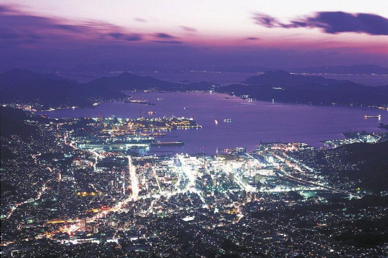 歴史を感じる広島県呉市の観光スポットで、大ヒット映画の街を満喫しよう!