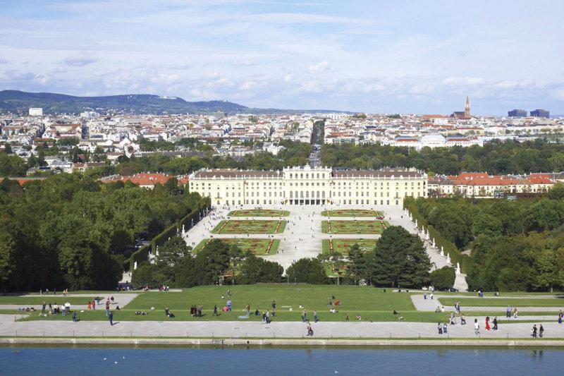 オーストリア・ウィーンで女帝マリア・テレジアゆかりの観光スポットへ行こう!