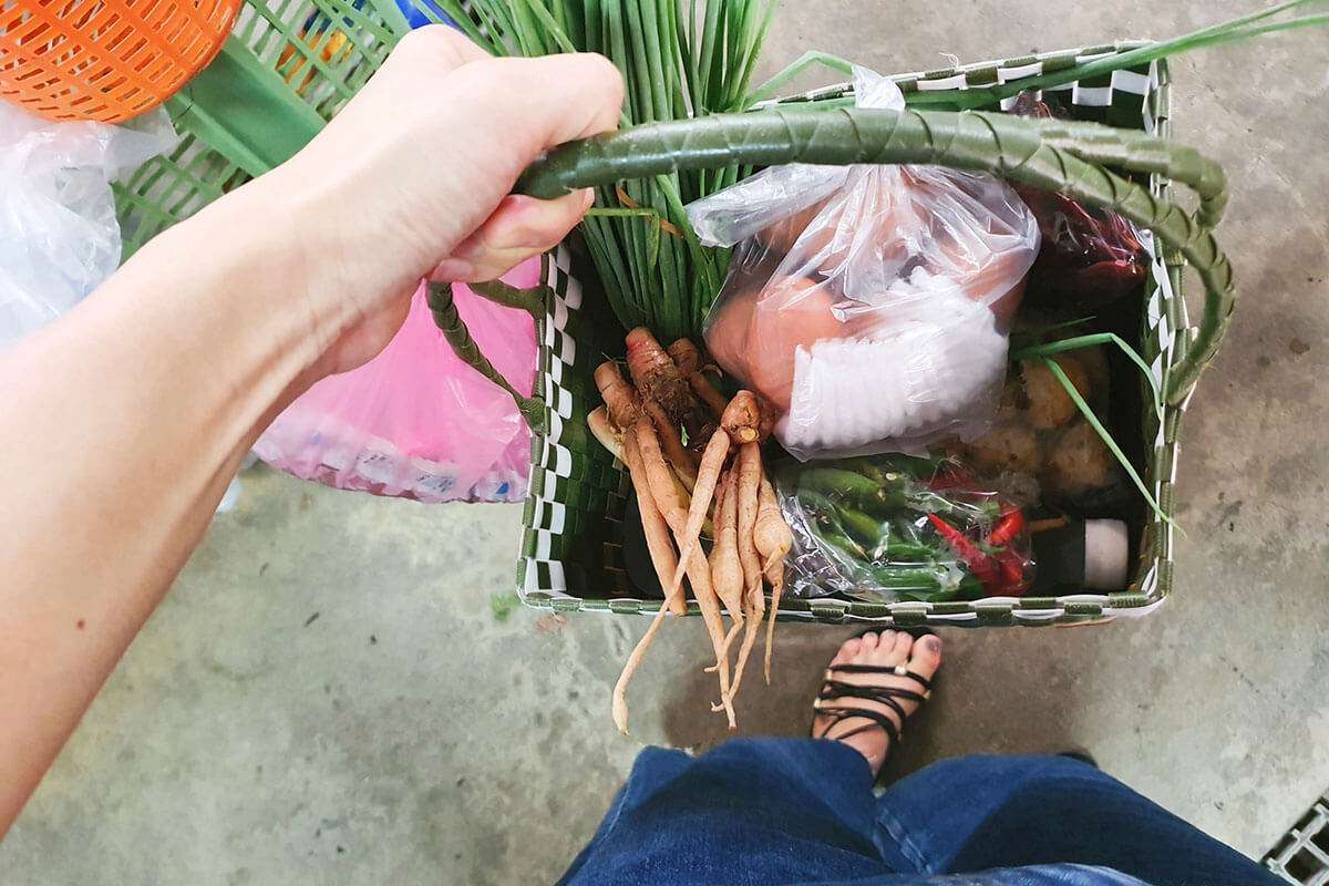 マーケットで調達した食材