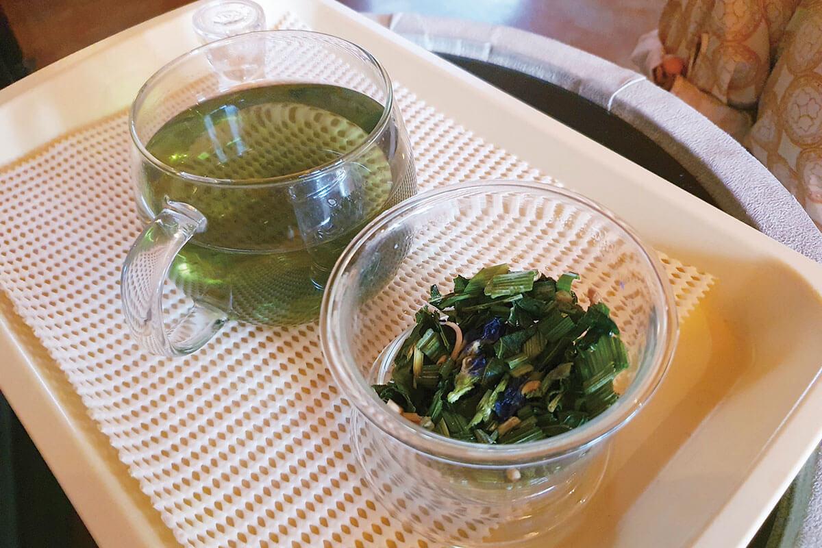 マッサージ後のお茶は4種類からチョイス