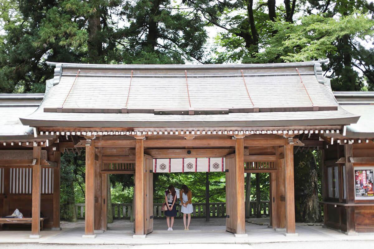 白山比咩神社 拝殿(神門)