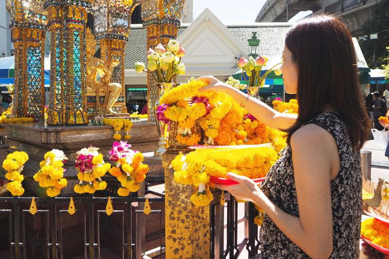 バンコク 最強のパワースポット「エラワン廟」お参りのHOW TOもしっかり教えちゃいます!!