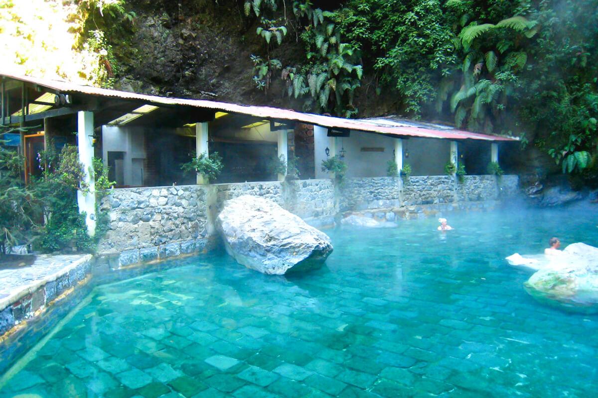 フェンテス・ヘオロヒナス温泉