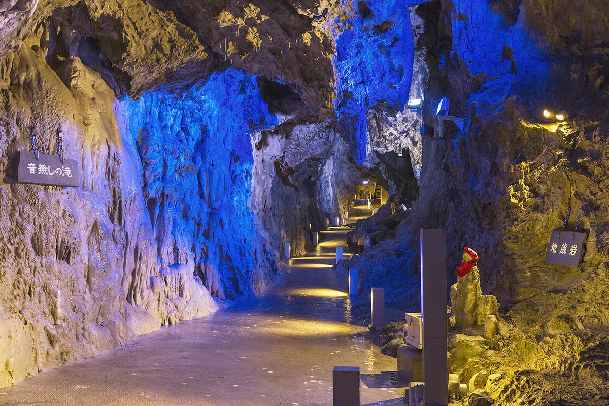 龍泉洞 月宮殿
