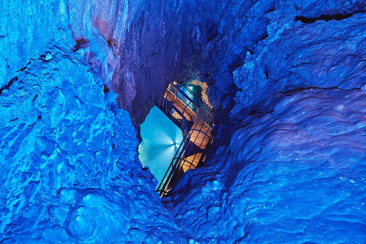 龍泉洞 第一地底湖展望台