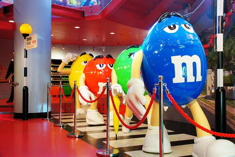 日本未上陸!! カラフルなチョコレートM&M'S専門店「M&M'S World」が可愛い!