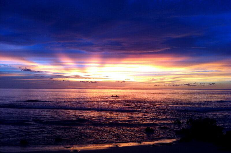 夕日が沈むナウル共和国の海