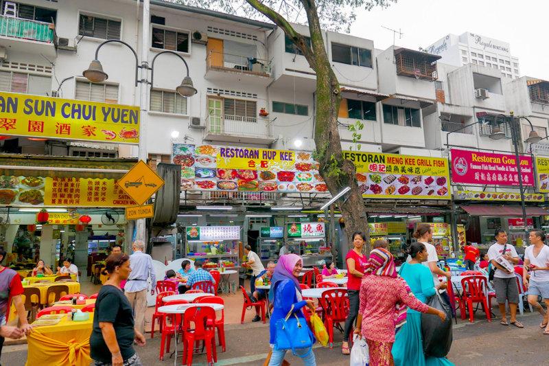 クアラルンプールの屋台街「ジャラン・アロー」で、絶品ローカルグルメを食べよう!