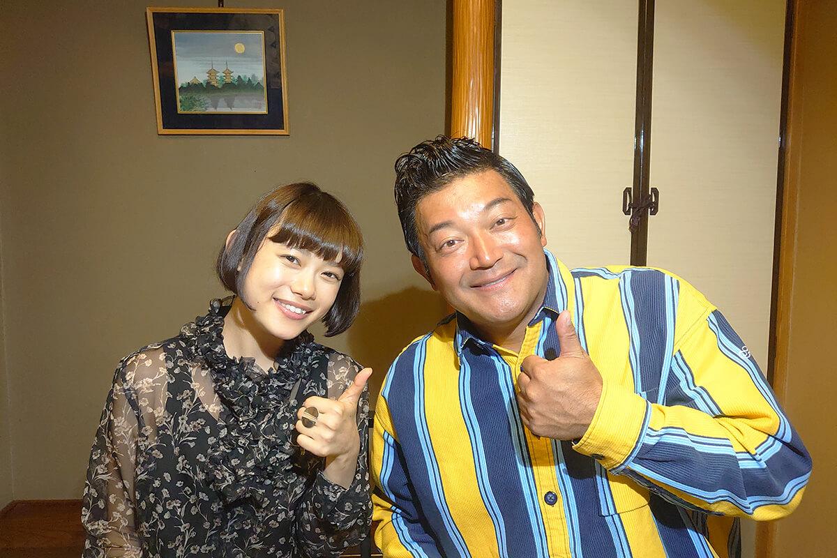山口智充、杉咲花 ©関西テレビ