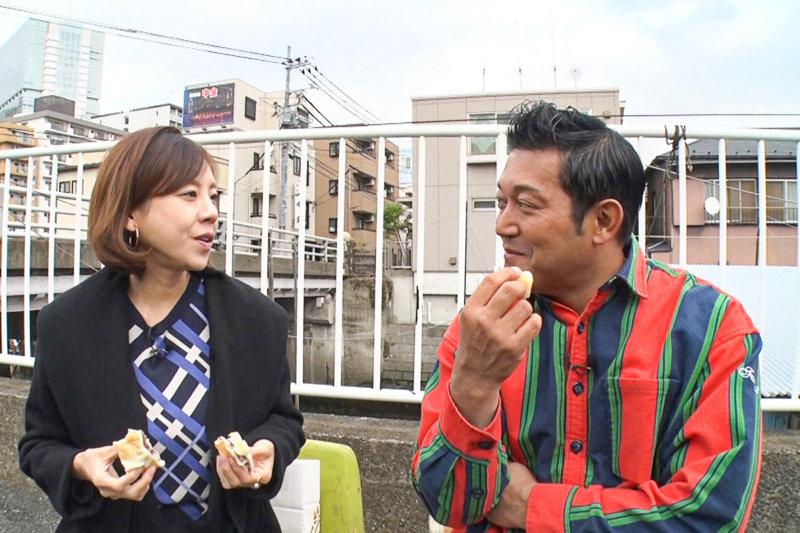 高橋真麻と北品川で絶品グルメを食す。エビフライ専門店や最高級食パンに舌鼓!