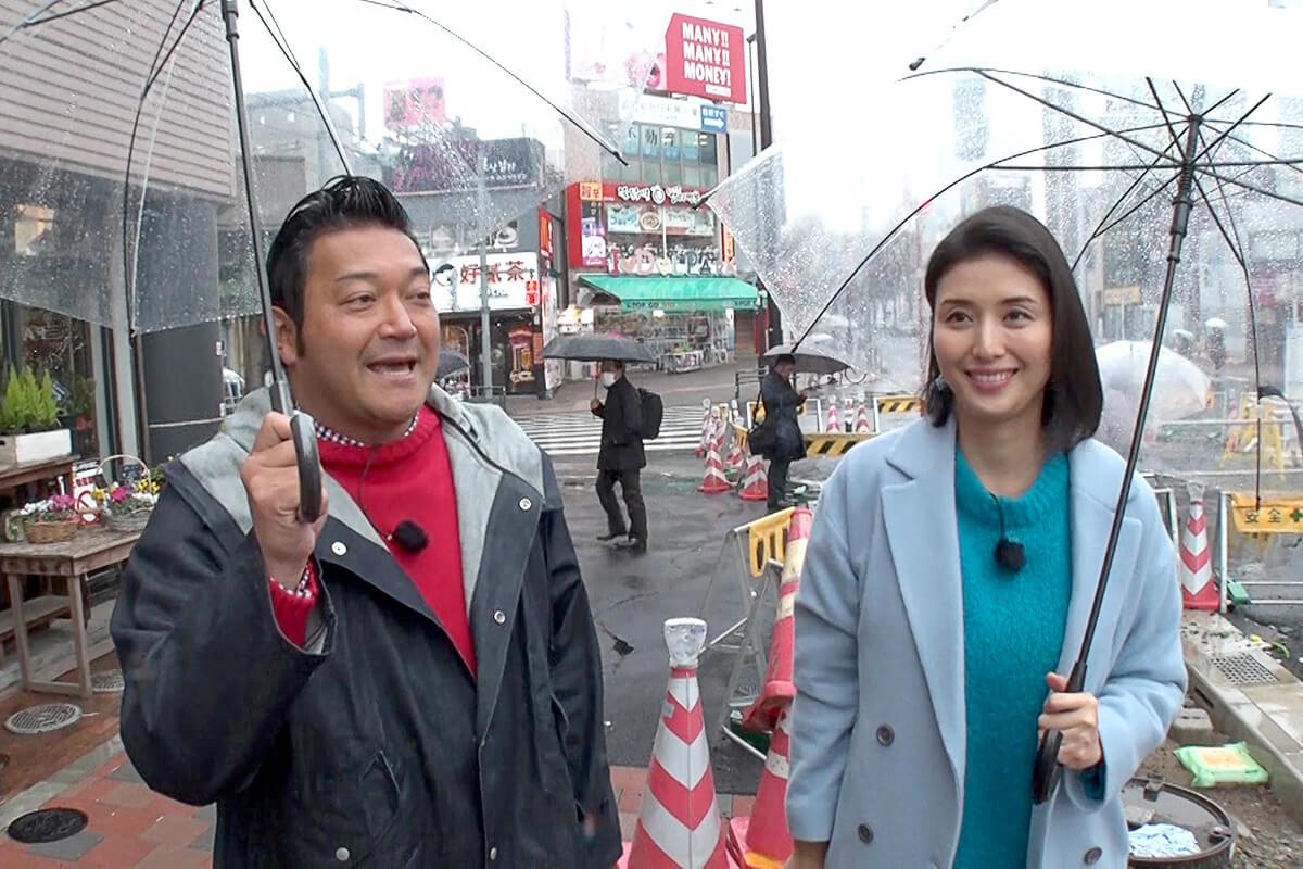 山口智充、橋本マナミ ©関西テレビ