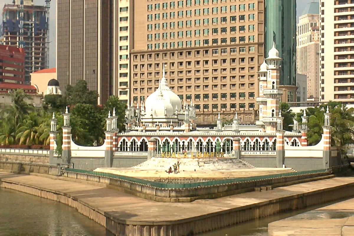 ジーンちゃんはマレーシア・クアラルンプールへ ©関西テレビ