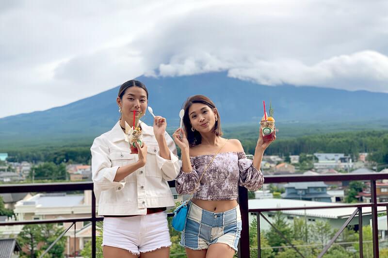 すみれと遠藤政子が山梨県の富士五湖へ。オフロードバギーやカヌーを体験して、夏の終わりをアクティブに過ごす
