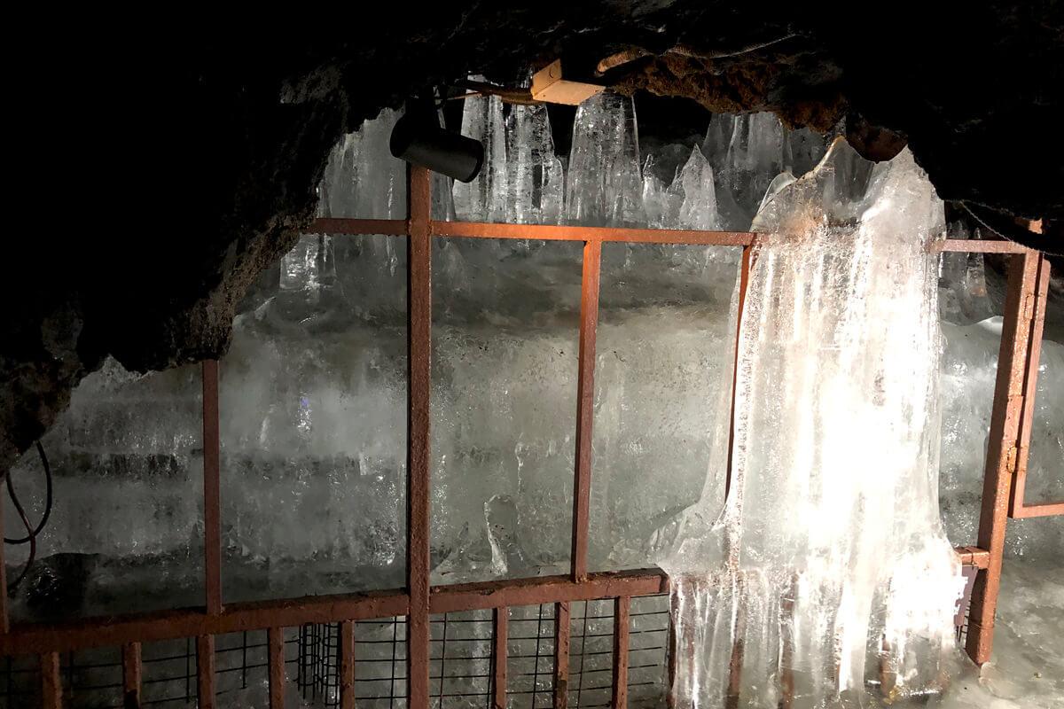 鳴沢氷穴 ©TBS
