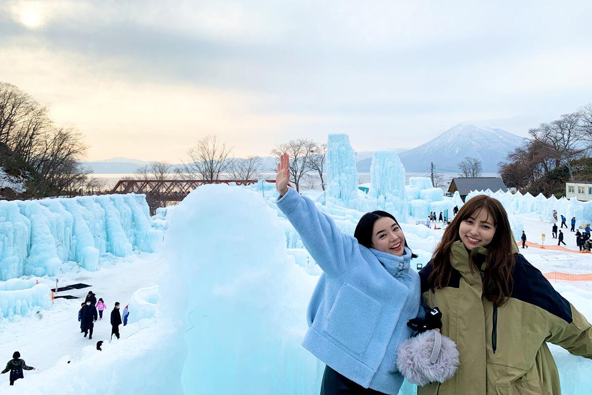 氷濤まつり。左から愛甲ひかり、愛甲千笑美 ©TBS