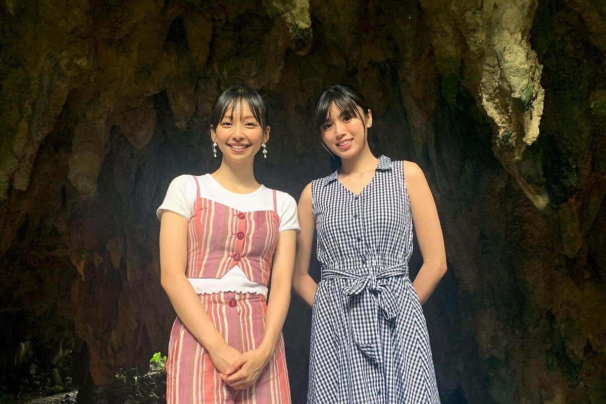 夏の沖縄旅。左から華村あすか、北向珠夕 ©TBS
